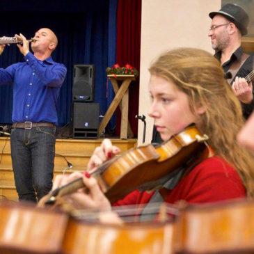 les WEEPERS CIRCUS proposent 3 ateliers : en maternelle & école primaire, en collège & lycée et en école de musique